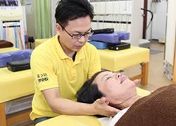鹿児島市まつだ整骨院:頭痛治療の施術写真01