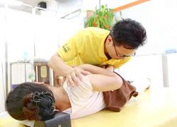鹿児島市まつだ整骨院:骨盤矯正の施術写真